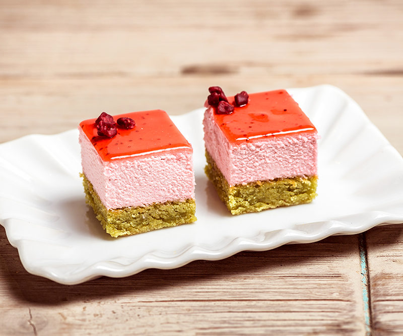 Pistachio cake with raspberry cream